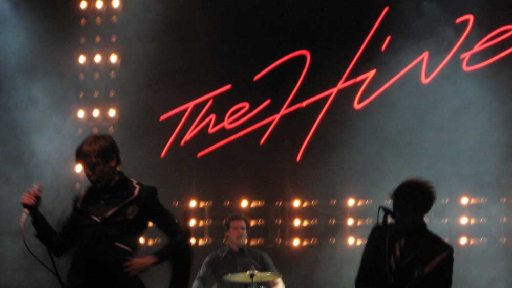 The Hives – The Black & White Album