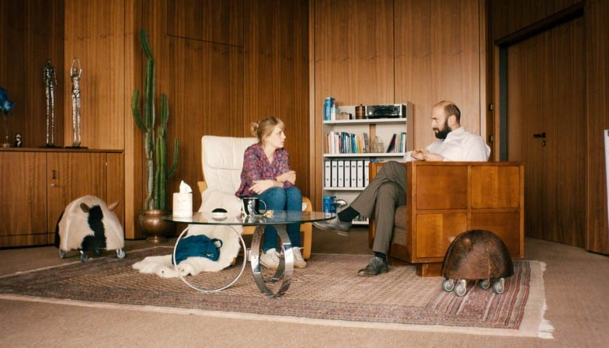 Hedi-Schneider-steckt-fest-(c)-2015-Polyfilm
