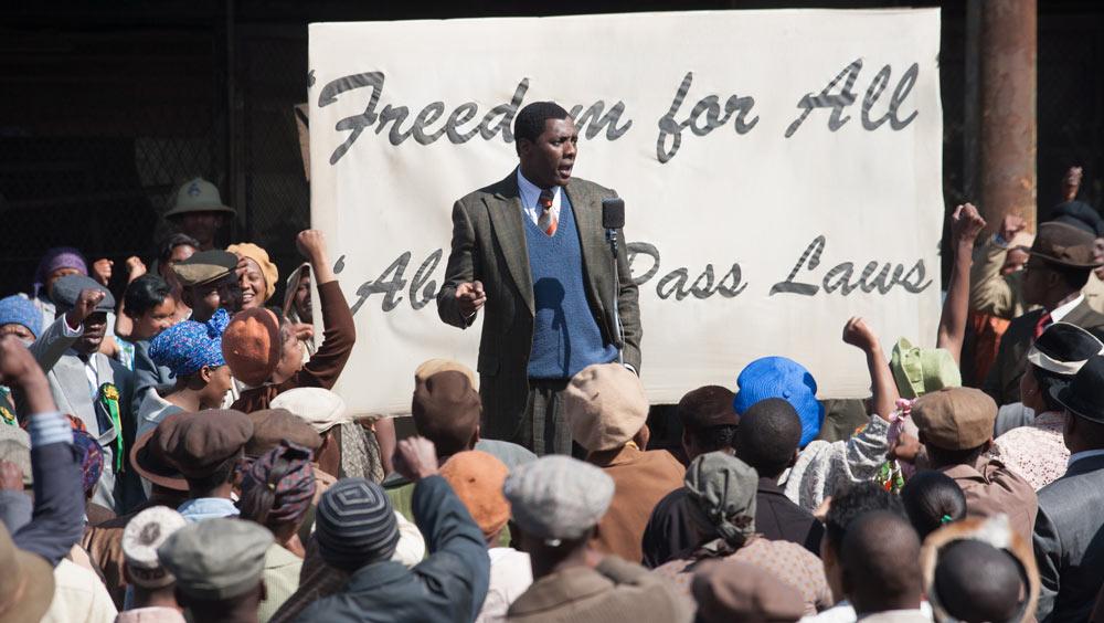 Mandela---Der-lange-Weg-zur-Freiheit-©-2013-Constantin,-Senator(3)