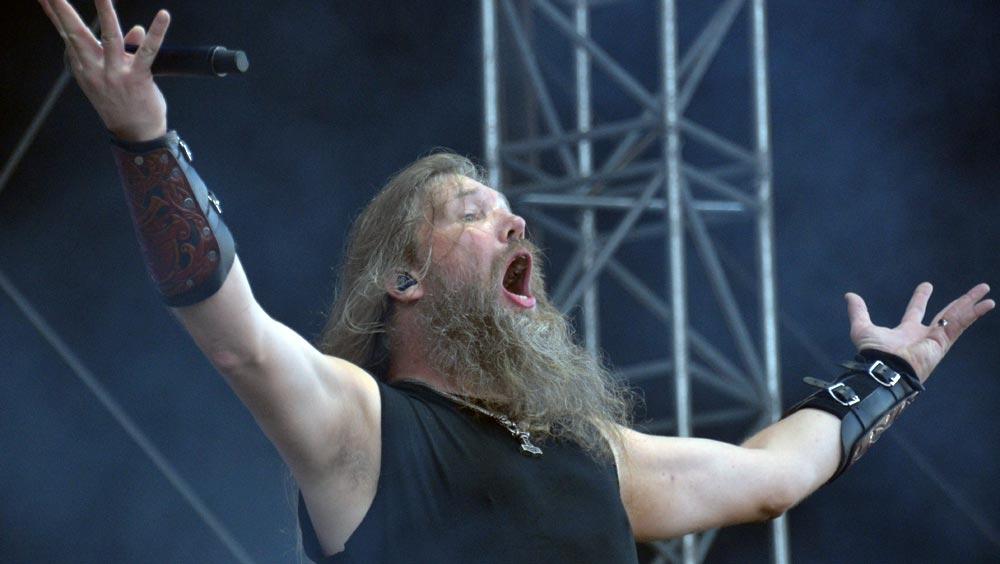 Nova Rock 2014: Abwechslungsreiche und skurrile Auftritte am zweiten Tag