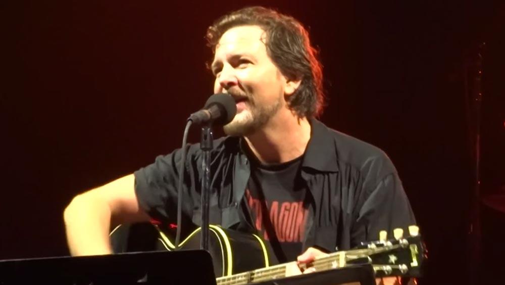 Eddie-Vedder-©-Screenshot-YouTube