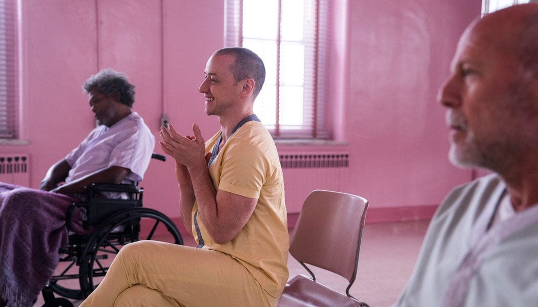 Glass-(c)-2018-Universal-Pictures(5)